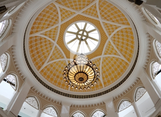 Huge Ceiling Design with Lamp in Dubai, United Arab Emirates